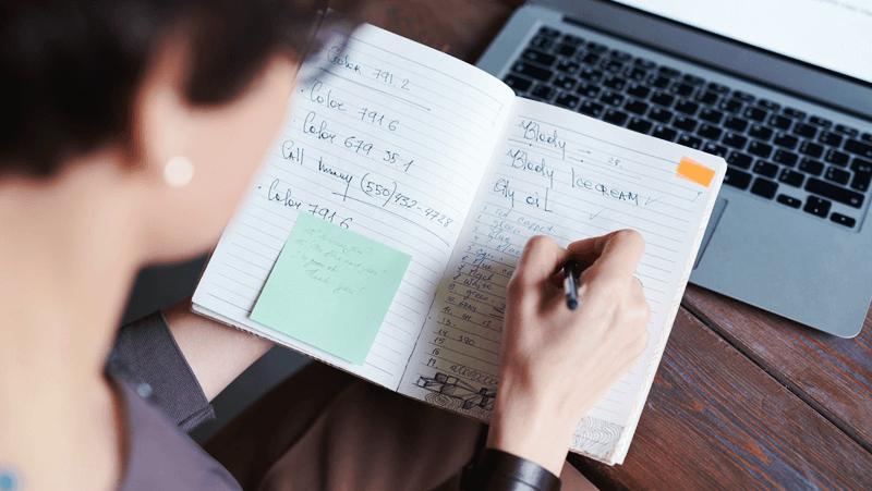 Membuat Buku Catatan Keuangan