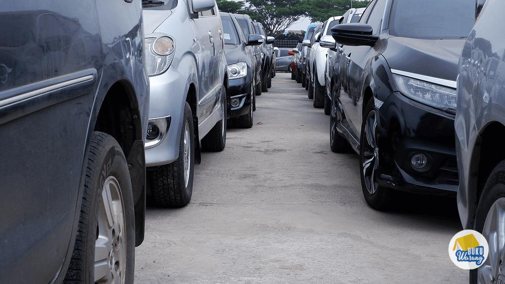 Memilih Mobil yang Banyak Diminati
