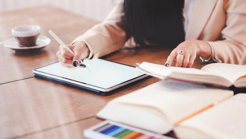 Memudahkan Evaluasi Kinerja Bisnis