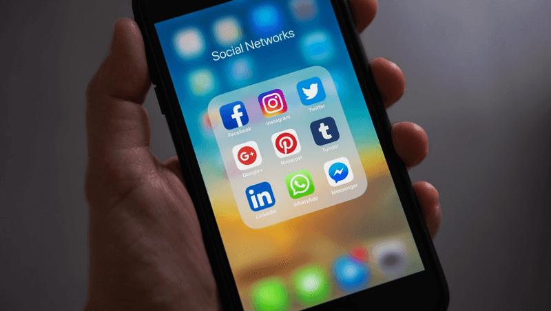 Admin Akun Media Sosial